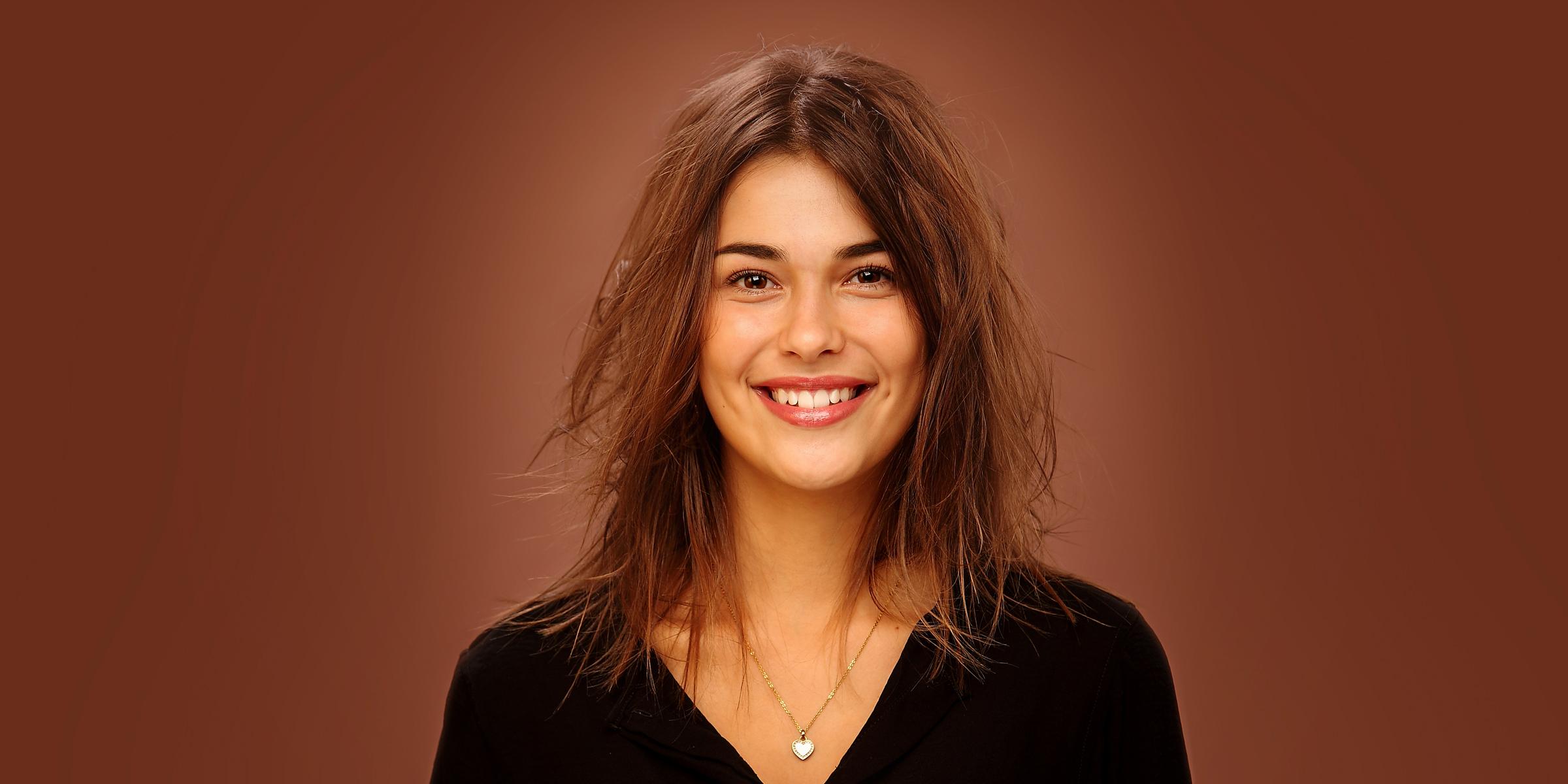 Portrait einer lächelnden Frau posiert für Business-Foto.